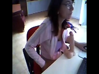 Скрытая камера директора сняла секс с молодой блондинкой в офисе - порно hd качества