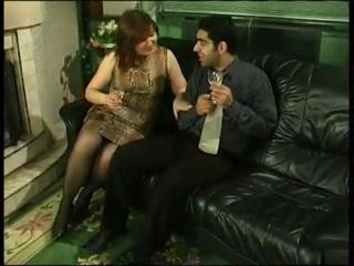 Порно видео с грудастой девушкой, которая трахается со своим парнем